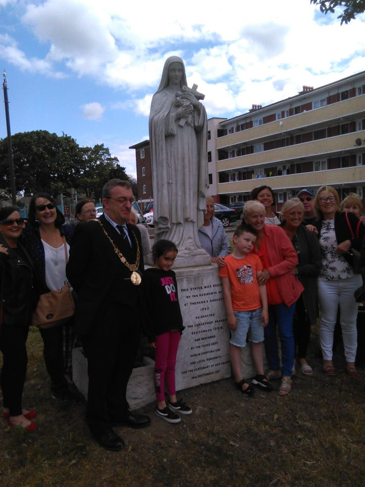 Lord Mayor of Dublin and Residents of St. Teresa's Gardens at the Blessing of St. Teresa's Statue