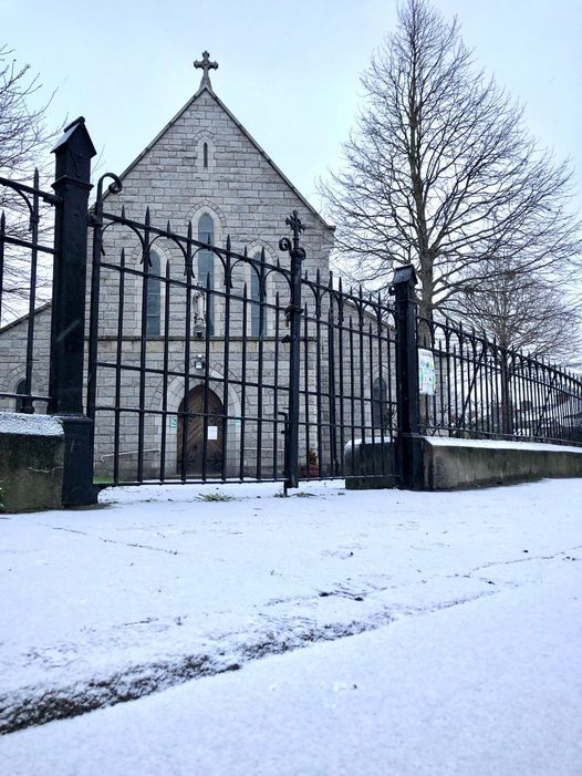 Our church looking beautiful in the snow on Thursday 7th January 2021……Thanks to Michael Douglas Fernandes for this wonderful shot
